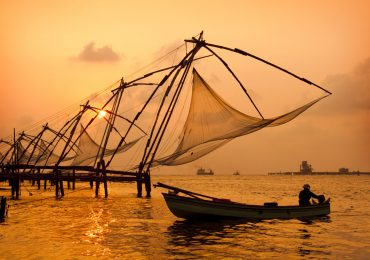 Old Chinese Fishing Nets in Cochin in Kerala - Cochin - South India